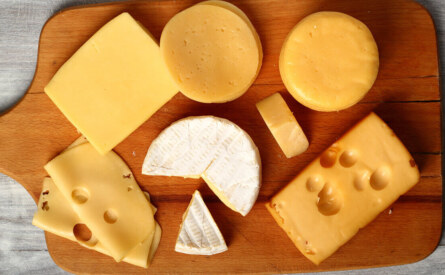 Do football fans actually eat 20 million pounds of Cheese every year during the super bowl?